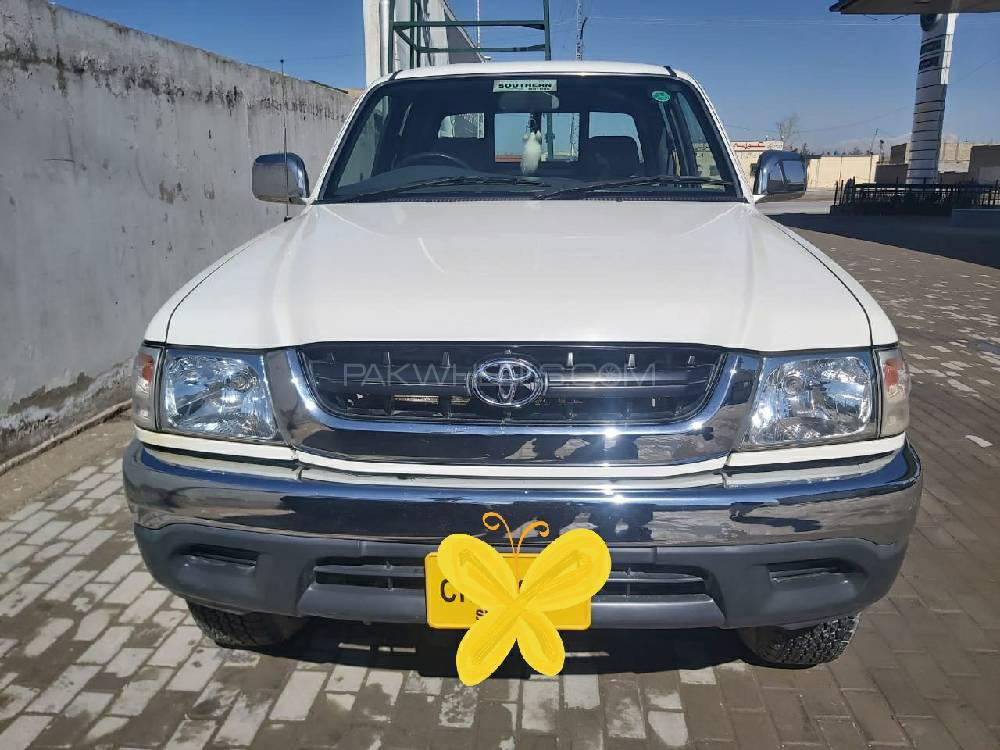 Toyota Hilux Double Cab 2005 Image-1