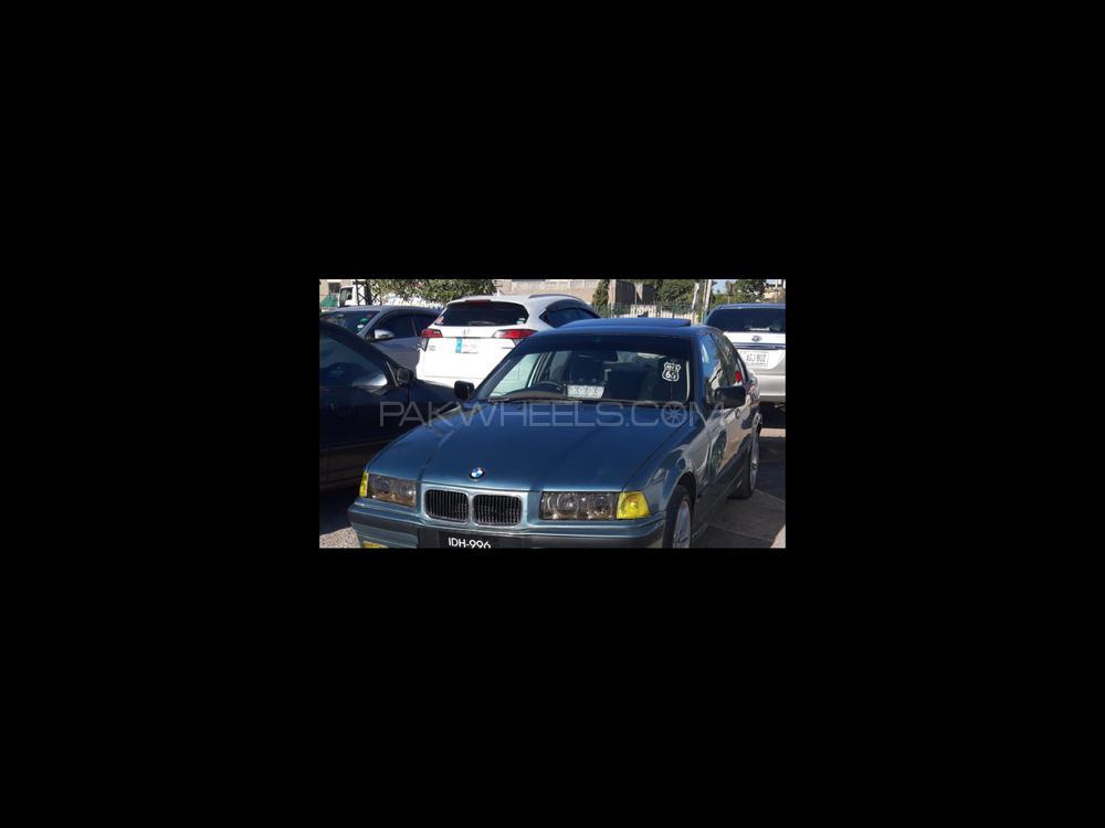 BMW 3 Series 318i 1997 Image-1