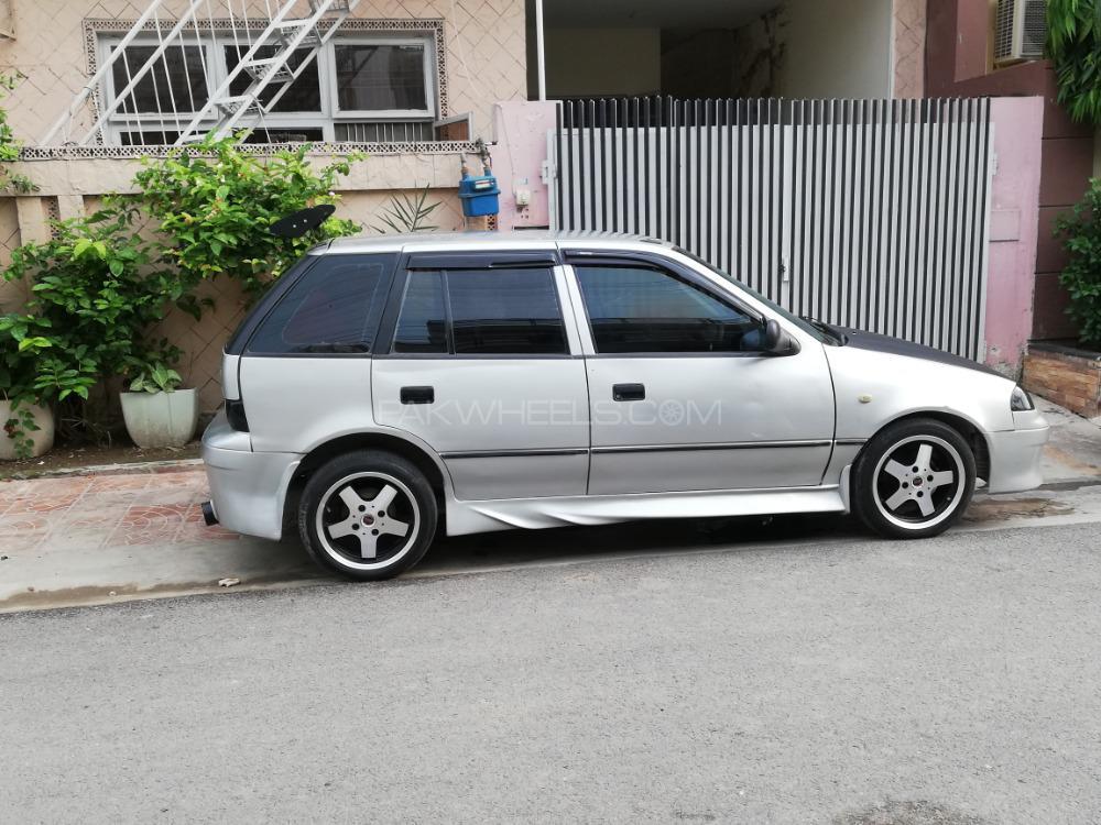 Suzuki Cultus - 2004  Image-1