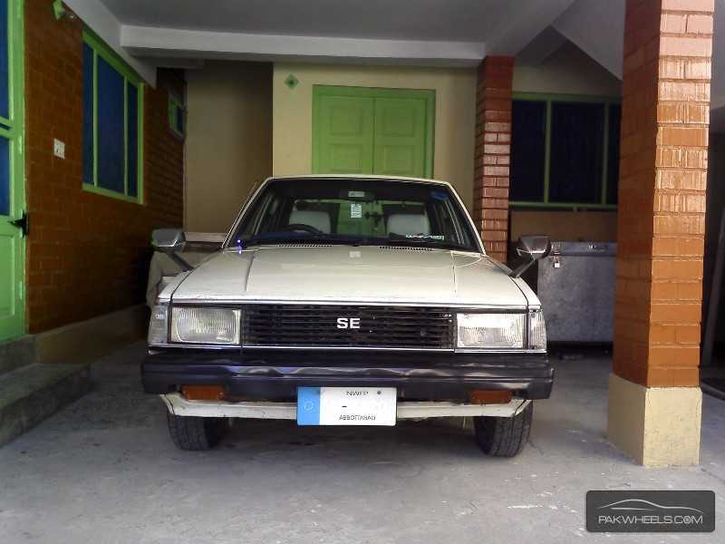Toyota Corolla SE Limited 1982 Image-1