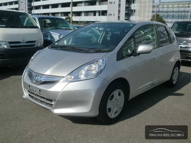 used honda fit hybrid 2011 car for sale in karachi 810698 pakwheels. Black Bedroom Furniture Sets. Home Design Ideas