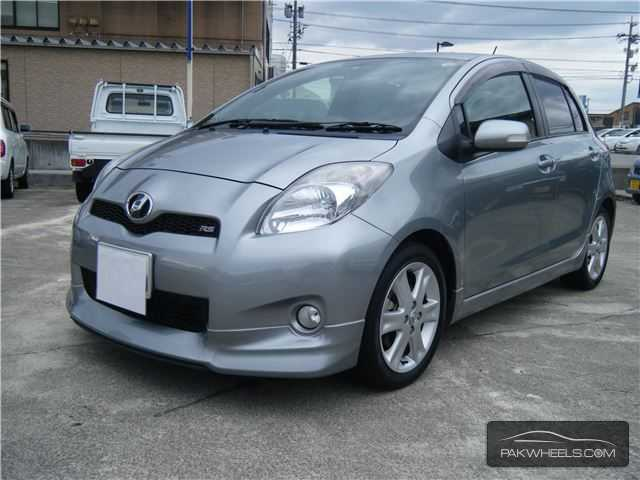 Toyota Vitz U 1 0 2010 For Sale In Lahore Pakwheels