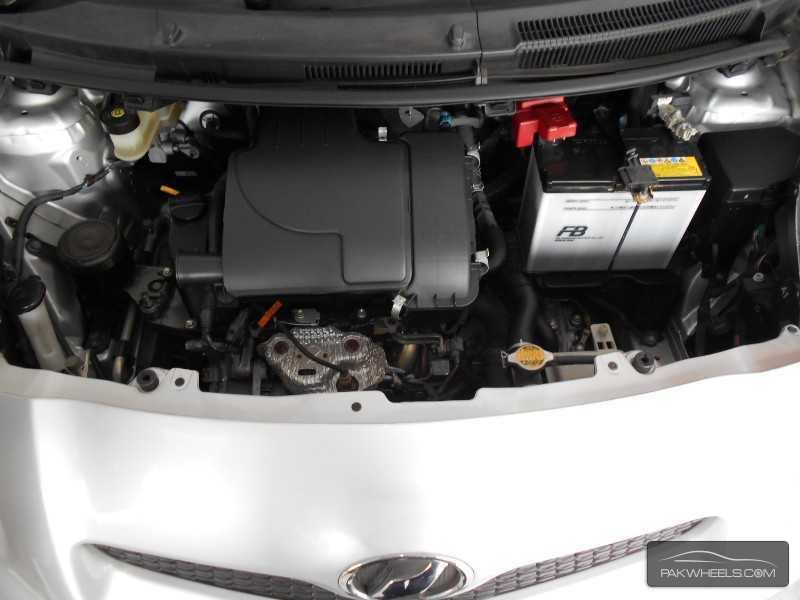 Toyota Vitz 2010 Image-7