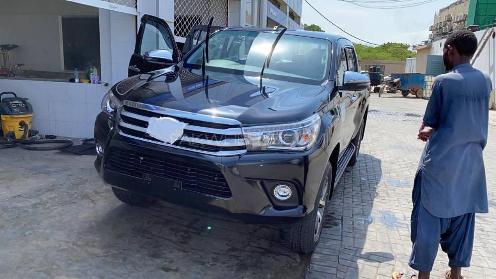 Toyota Hilux Revo V Automatic 3.0  2020 Image-1