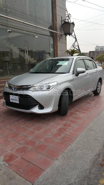Toyota Corolla Axio X 1.5 2017 Image-1
