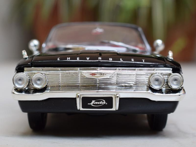 Jada 1960 Chevy Impala Die Cast  in Lahore