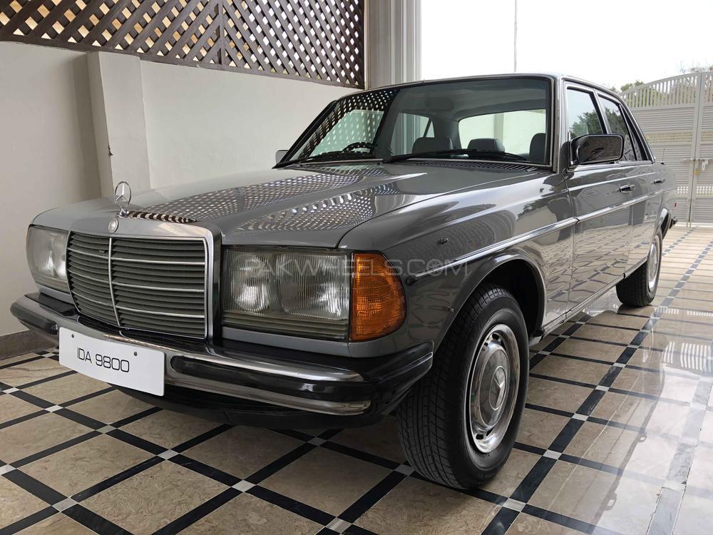 Mercedes Benz D Series - 1985 Ascot Grey Image-1