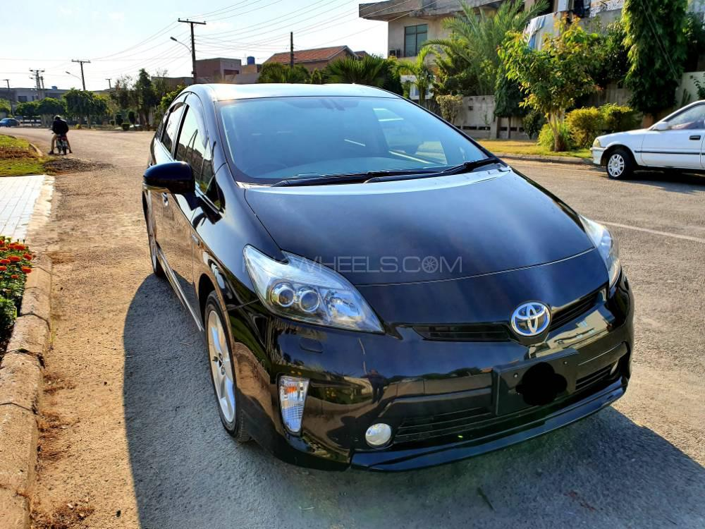 Toyota Prius G Touring Selection 1.8 2012 Image-1