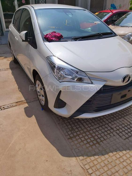 Toyota Vitz F Smile Edition 1.0 2017 Image-1