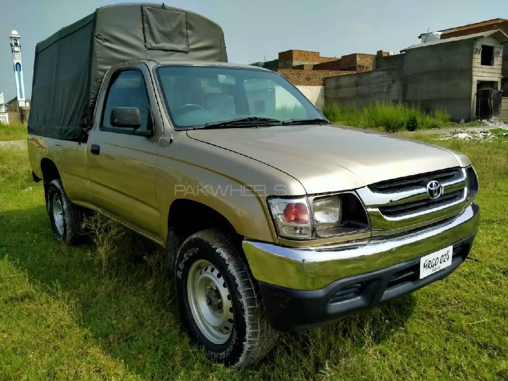 Toyota Hilux 2003 Image-1