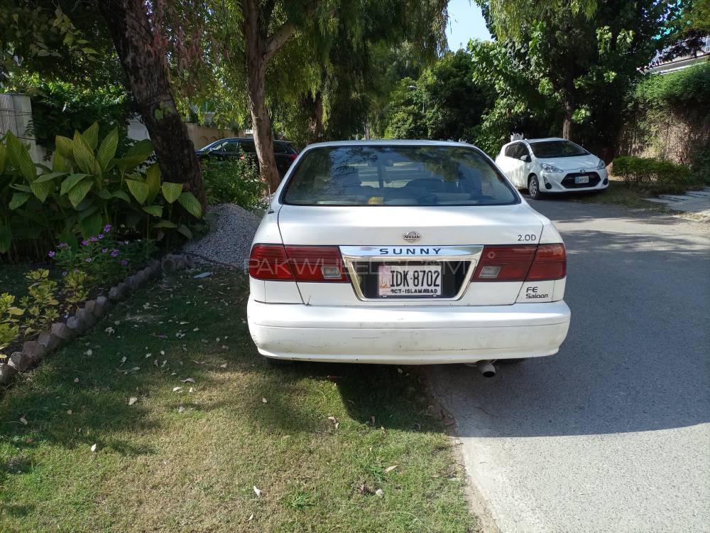 Nissan Sunny 2001 Image-1