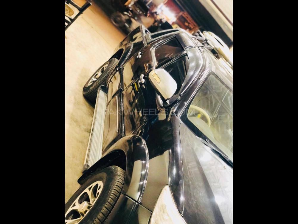 Toyota Hilux Vigo V 2006 Image-1