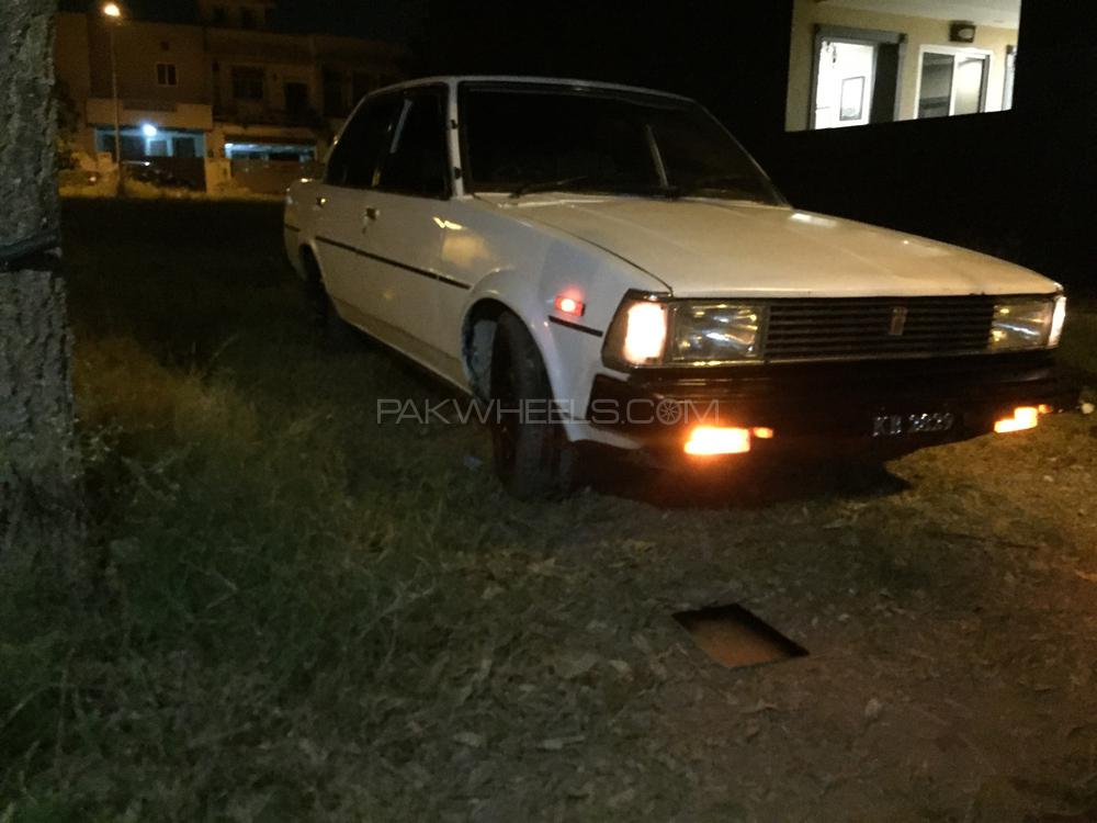 Toyota Corolla X L Package 1.3 1982 Image-1