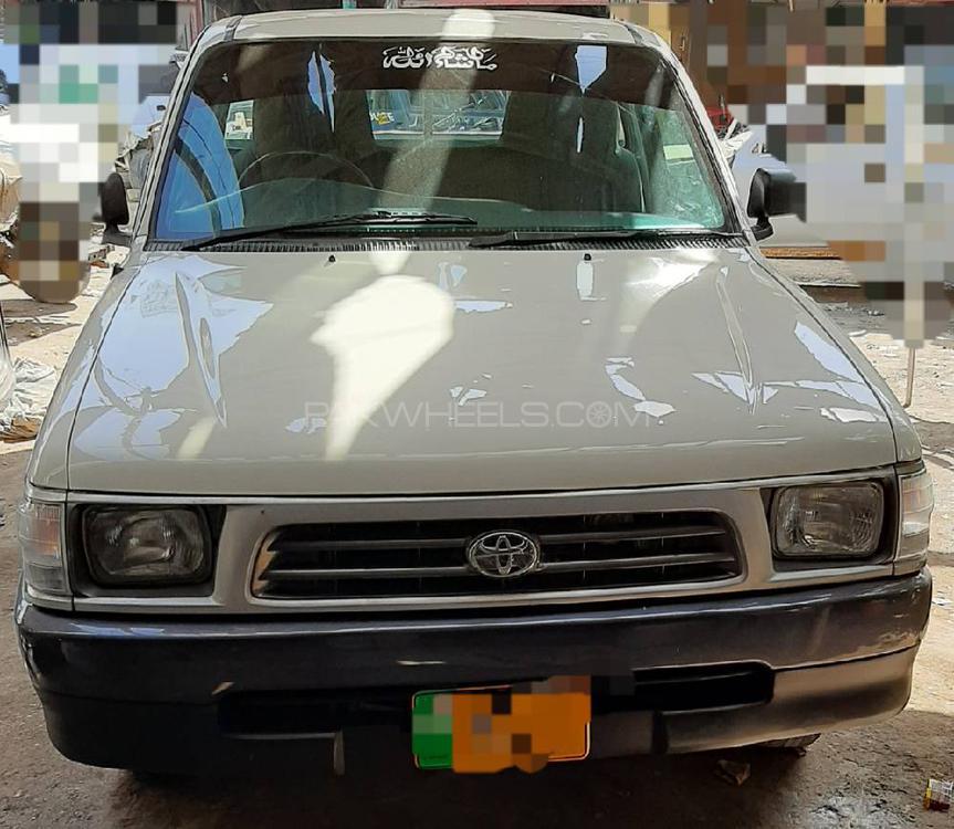 Toyota Hilux 4X2 Single Cab Deckless 2005 Image-1