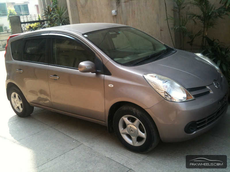 nissan note 15 brownie interior 2007 for sale in lahore pakwheels. Black Bedroom Furniture Sets. Home Design Ideas