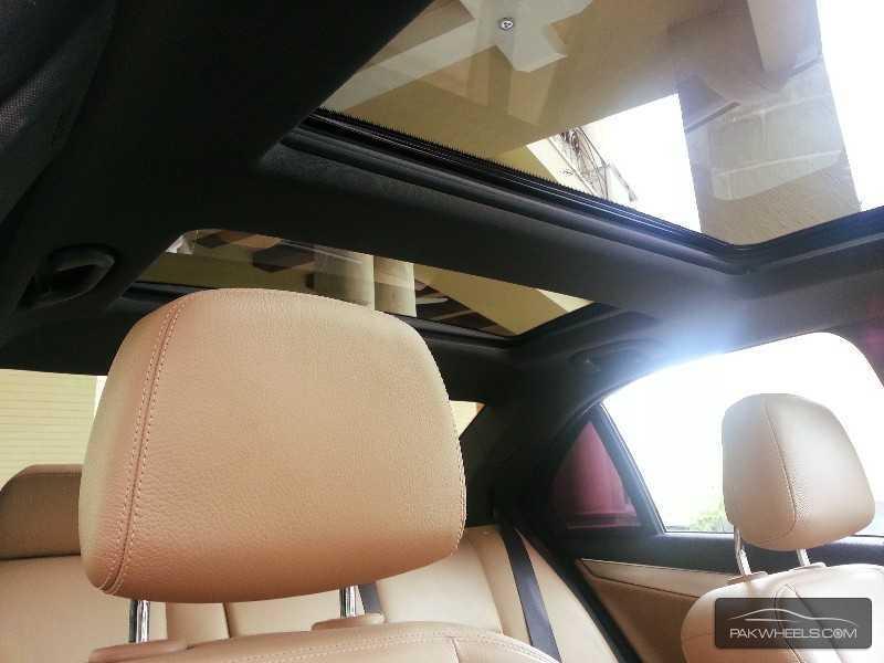 Mercedes Benz C Class C250 2012 Image-7