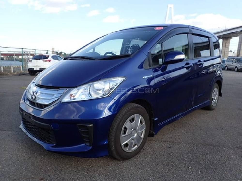 Honda Freed Hybrid 2014 for sale in Karachi | PakWheels