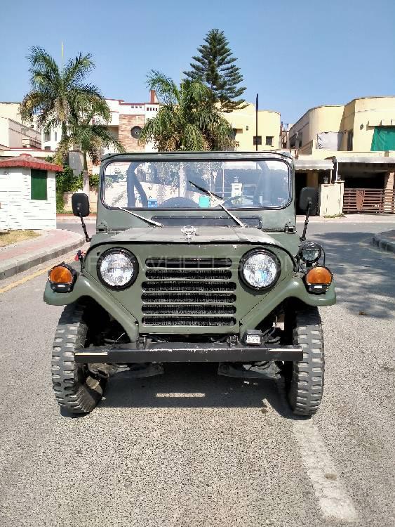Jeep Commander 5.7 V8 Hemi 1984 Image-1