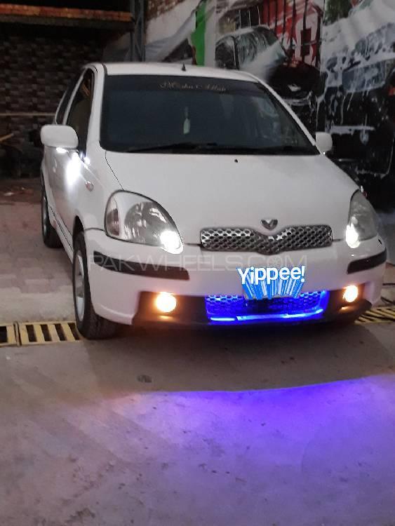 Toyota Vitz F 1.3 2002 Image-1