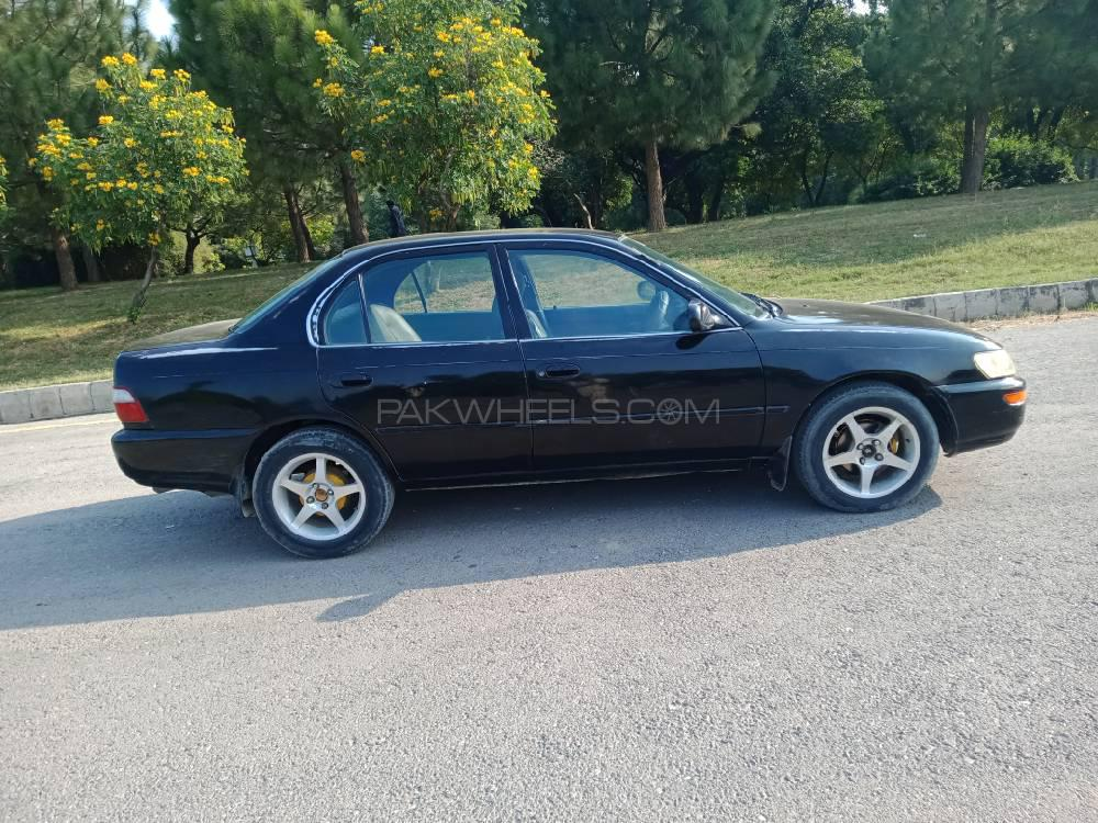 Toyota Corolla 2.0D Limited 1999 Image-1