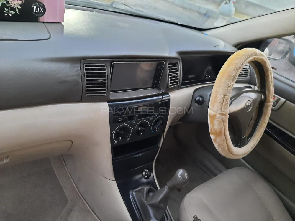 Toyota Corolla 2.0D Saloon 2004 Image-1