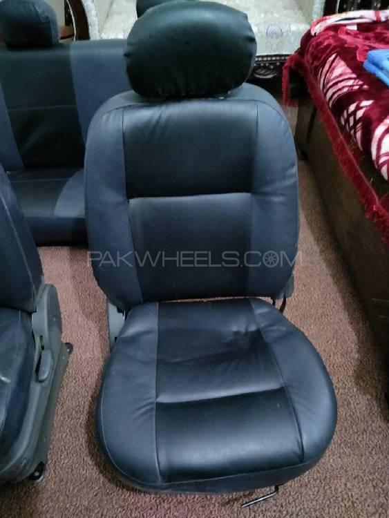 Hyundai santro seats Image-1