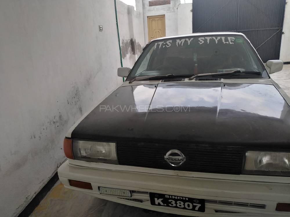 Nissan Sunny 1990 Image-1
