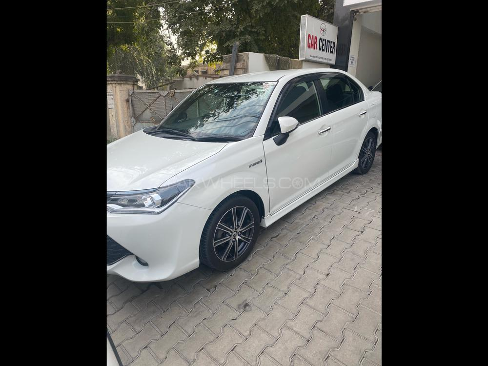 Toyota Corolla Axio G 2017 Image-1