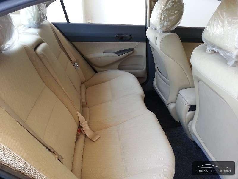Honda Civic VTi Oriel Prosmatec 1.8 i-VTEC 2012 Image-8