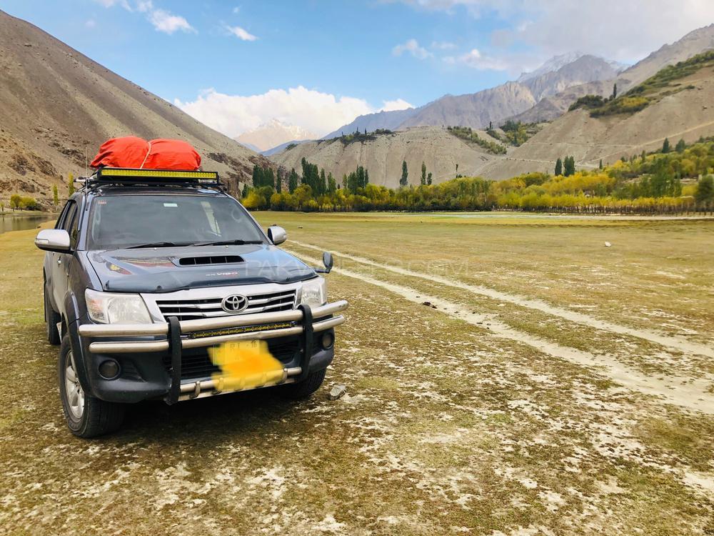 Toyota Hilux 2011 Image-1