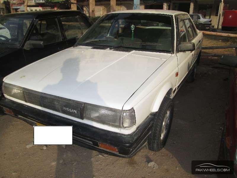 Nissan Sunny 1988 Image-2