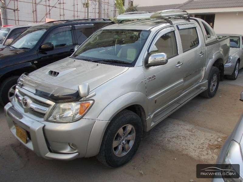 Toyota Hilux Vigo G 2015 For Sale In Karachi Pakwheels