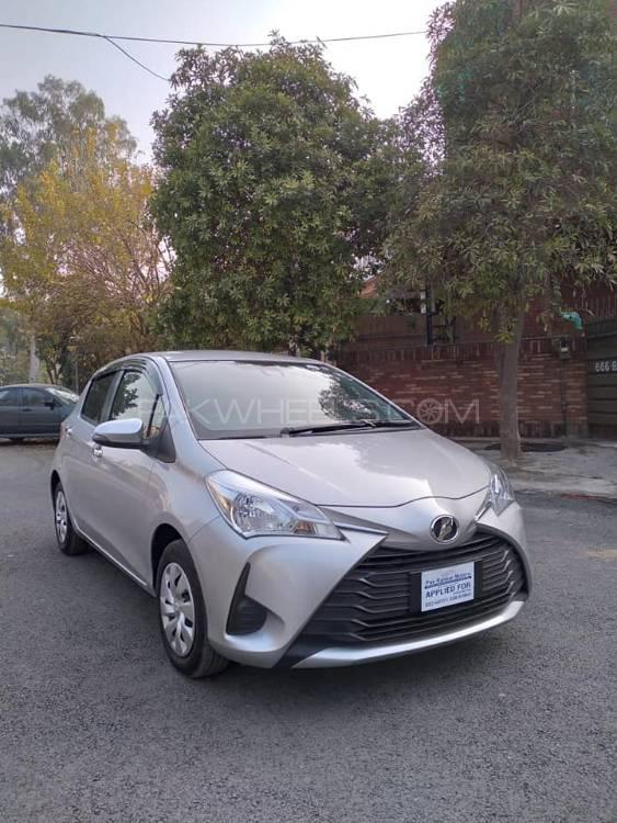 Toyota Vitz U 1.0 2018 Image-1