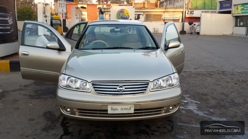 Nissan Sunny Super Saloon Automatic 1.6 2010 Image-1