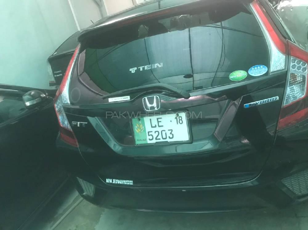 Honda Fit 1.5 Hybrid F Package 2015 Image-1