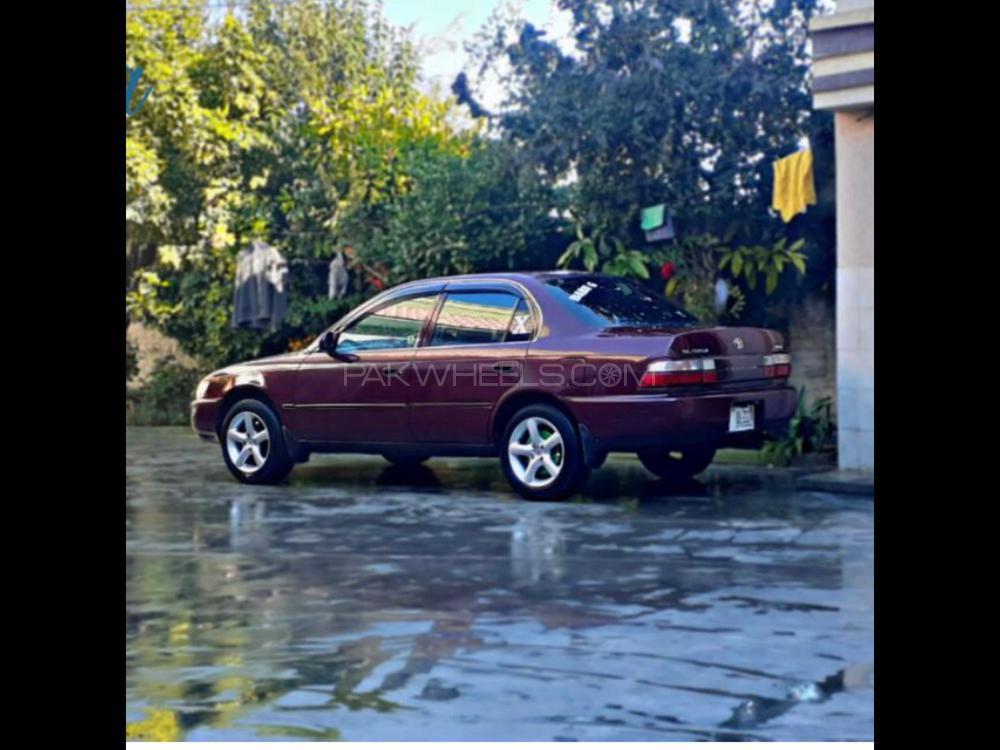 Toyota Corolla GL 2001 Image-1