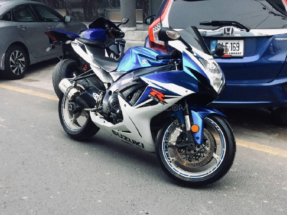 سوزوکی GSX-R600 2011 Image-1