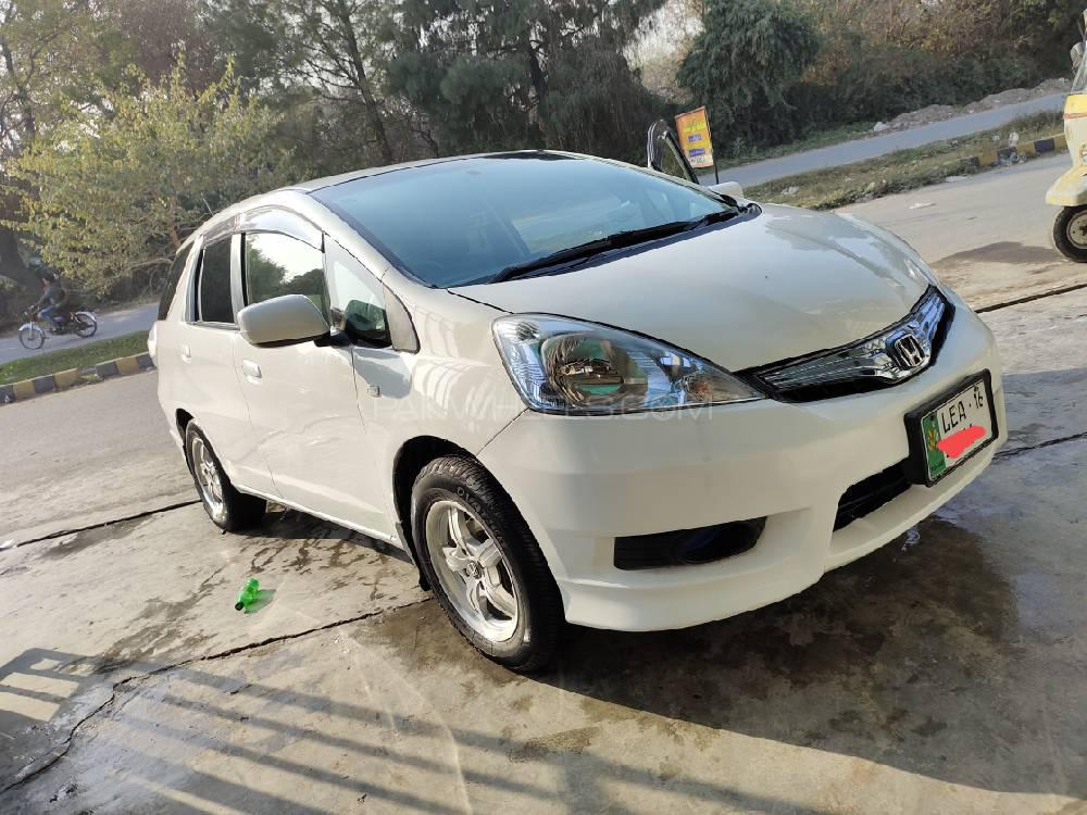 Honda Fit 1.3 Hybrid Base Grade 2012 Image-1