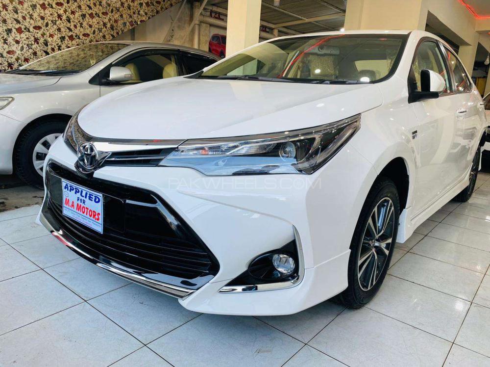 Toyota Corolla Altis Grande X CVT-i 1.8 Beige Interior 2021 Image-1