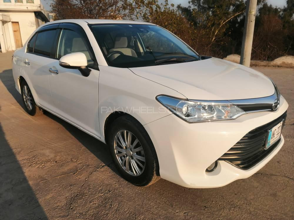 Toyota Corolla Axio X 1.3 2015 Image-1