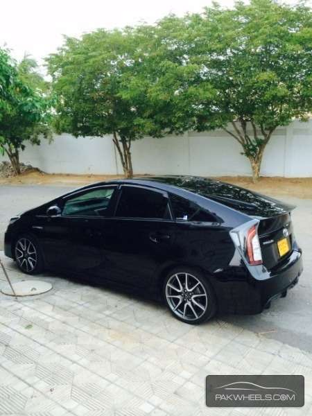 Toyota Prius S Touring Selection GS 1.8 2012 Image-3
