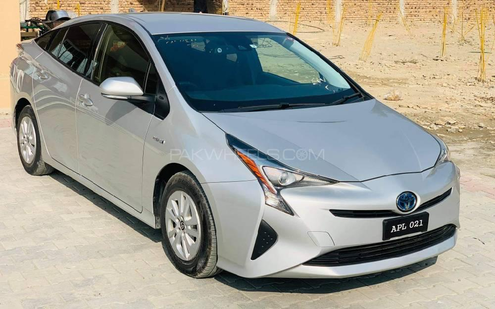 Toyota Prius S Touring Selection 2017 Image-1