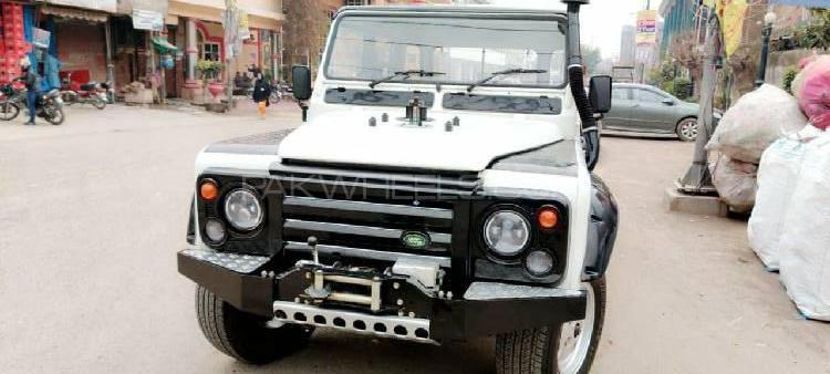 Land Rover Defender 130 1992 Image-1