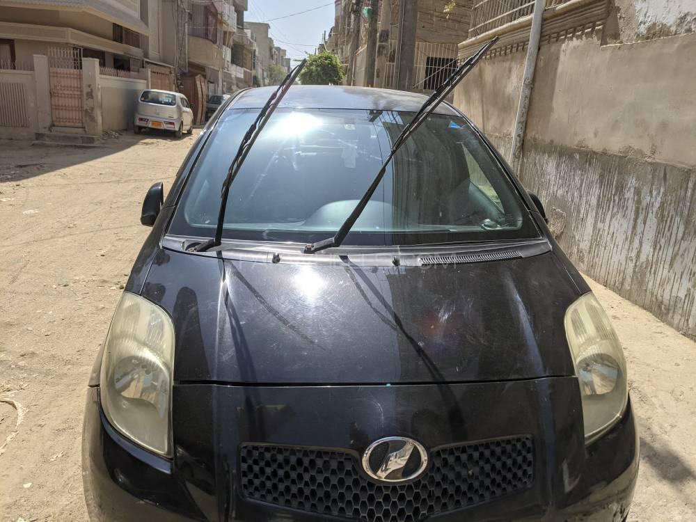Toyota Vitz F 1.0 2005 Image-1