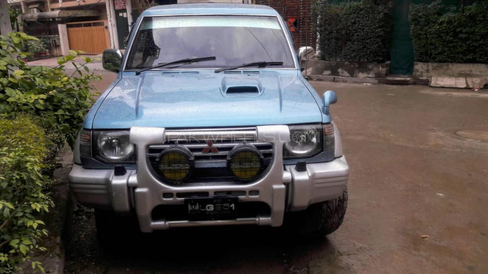Mitsubishi Pajero Exceed 3.5 1993 Image-1