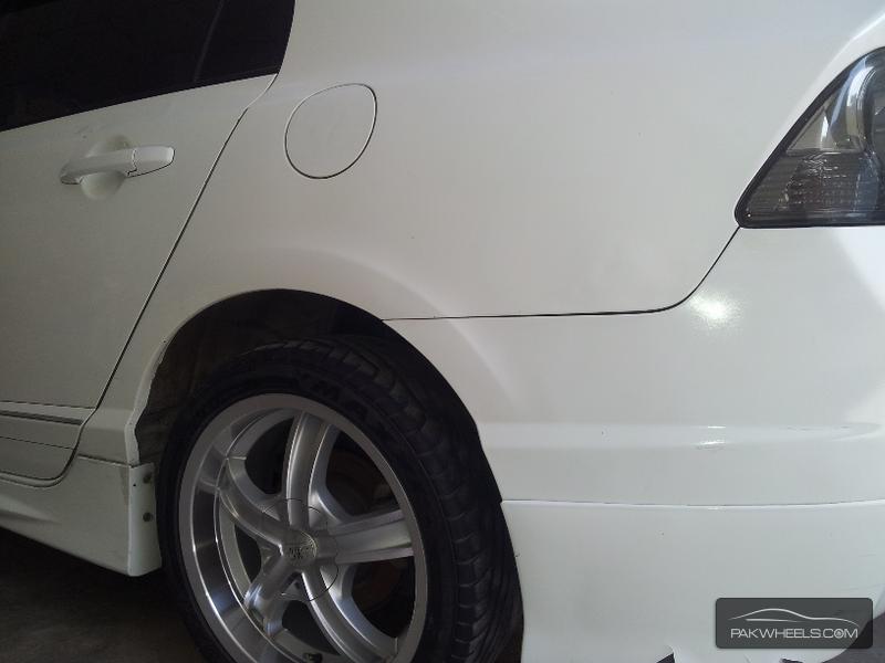 Honda Civic VTi 1.8 i-VTEC 2010 Image-3