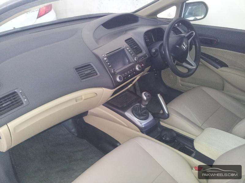 Honda Civic VTi 1.8 i-VTEC 2010 Image-6