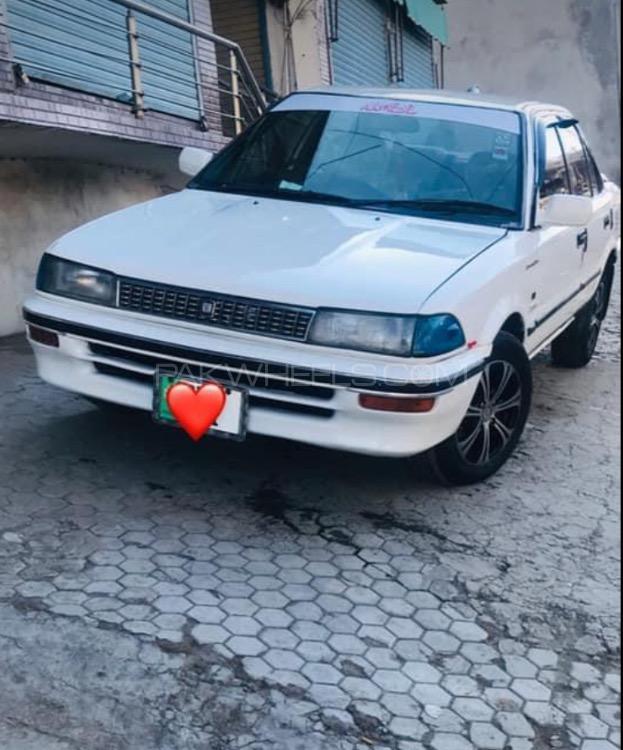 Toyota Corolla DX Saloon 1987 Image-1
