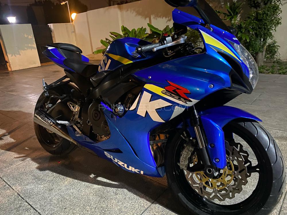 سوزوکی GSX-R600 2013 Image-1