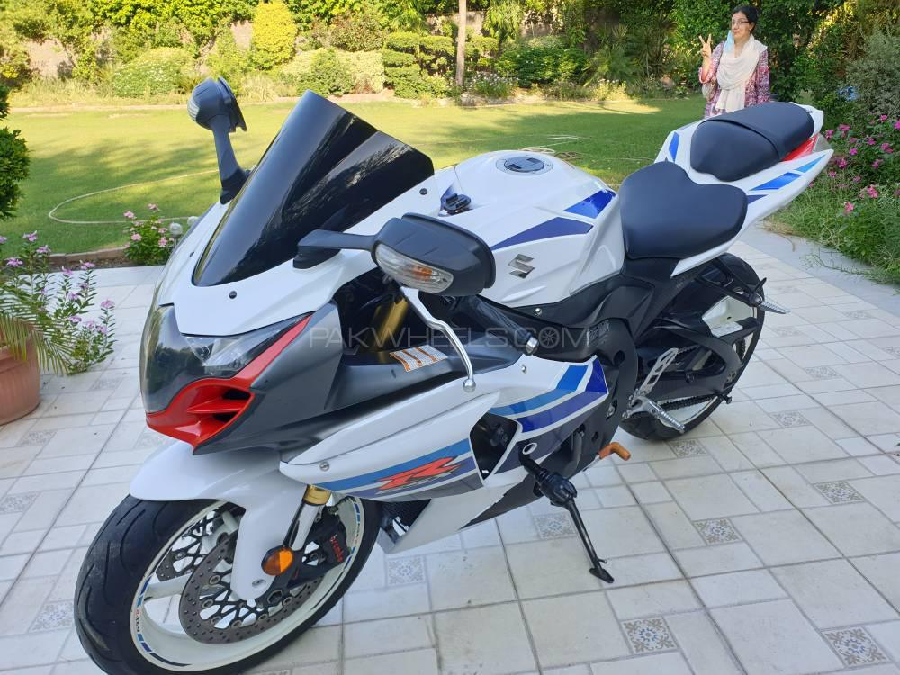 سوزوکی GSX-R1000 2013 Image-1